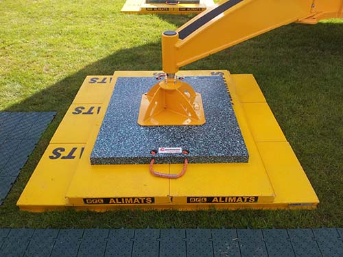 A range of available crane rigging mats